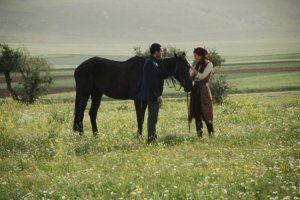 pictures from the turkish drama series Asi and Demir 19