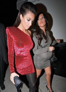 Kim and Kourtney Kardashian arrive at the Philippe Chow Restaurant in West Hollywood for Kim birthday dinner on October 22nd 2009 1