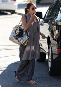 Eva Longoria Parker spotted walking in Beverly Hills on October 24th 2009 6