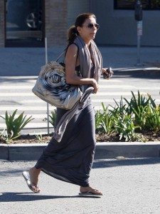 Eva Longoria Parker spotted walking in Beverly Hills on October 24th 2009 2