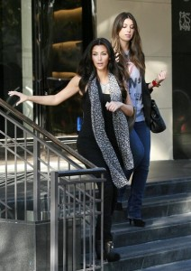 Kim Kardashian and Brittny Gastineau spotted shopping at Burberry in Beverly Hills on October 24th 2009 8