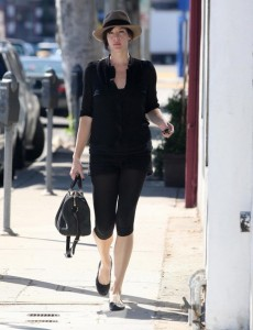 Liv Tyler spotted running errands in Beverly Hills on October 24th 2009 2