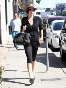Liv Tyler spotted running errands in Beverly Hills on October 24th 2009 5