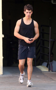 Joe Jonas spotted on his way to the gym in West Hollywood on October 24th 2009 3