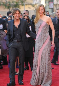 Keith Urban and Nicole Kidman arrive at the 2009 American Music Awards at LAs Nokia Theatre on November 22nd 2009 1