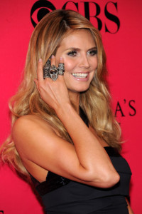 Heidi Klum arrives at the Victorias Secret fashion show held at The Armory in New York on November 19th 2009 3