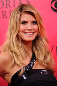 Heidi Klum arrives at the Victorias Secret fashion show held at The Armory in New York on November 19th 2009 6