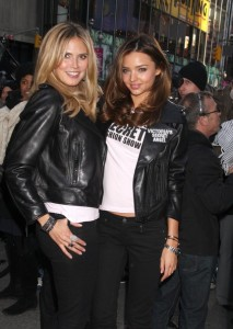 Heidi Klum and Miranda Kerr together at the Times Square For The Victorias Secret Fashion Show in New York City on November 18th 2009 4