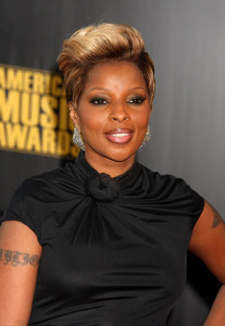 Mary J Blige arrives at the 2009 American Music Awards at the Nokia Theatre LA Live in Los Angeles California on November 22nd 2009 1