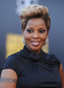 Mary J Blige arrives at the 2009 American Music Awards at the Nokia Theatre LA Live in Los Angeles California on November 22nd 2009 6