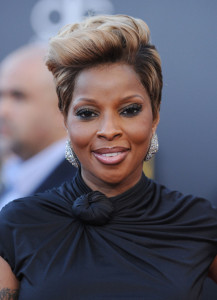 Mary J Blige arrives at the 2009 American Music Awards at the Nokia Theatre LA Live in Los Angeles California on November 22nd 2009 8