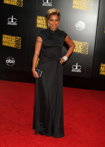 Mary J Blige arrives at the 2009 American Music Awards at the Nokia Theatre LA Live in Los Angeles California on November 22nd 2009 3