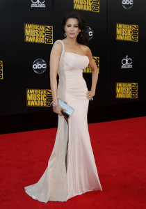 Sofia Vergara arrives at the 2009 American Music Awards at the Nokia Theatre LA Live in Los Angeles California on November 22nd 2009 2 1