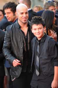 Chris Daughtry arrives at the 2009 American Music Awards at the Nokia Theatre LA in Los Angeles California on November 22nd 2009 with his son Griffin
