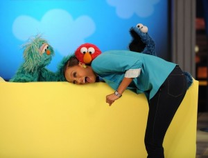 Tyra Banks picture from a recent episode of The Tyra Show with Sesame Street on December 3rd 2009 4