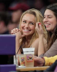 Hayden Panettiere picture as she is at the Lakers game in Los Angeles on December 29th 2009 4