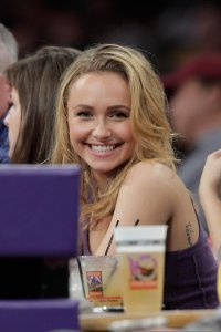 Hayden Panettiere picture as she is at the Lakers game in Los Angeles on December 29th 2009 1