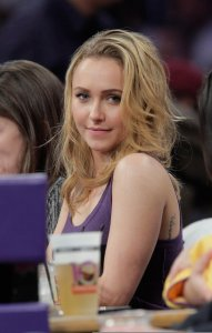 Hayden Panettiere picture as she is at the Lakers game in Los Angeles on December 29th 2009 2