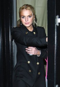 Lindsay Lohan picture as she was spotted shopping at Intermix in New York City on December 28th  2009 3