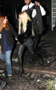 Lindsay Lohan photo as she leaves the birthday party of John Legend in New York on December 28th 209 1