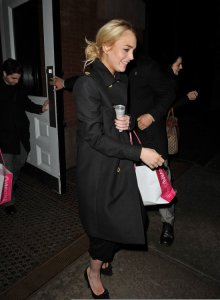 Lindsay Lohan picture as she was spotted shopping at Intermix in New York City on December 28th  2009 4