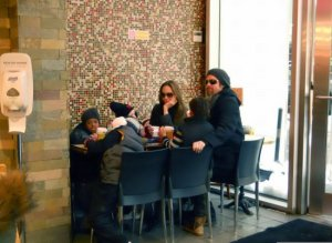 Angelina Jolie with Brad Pitt and their kids having lunch together in New York City on december 20th 2009 1