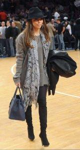 Eva Longoria picture at the NY Nicks vs San Antonio Spurs basketball gameon December 27th 2009 1