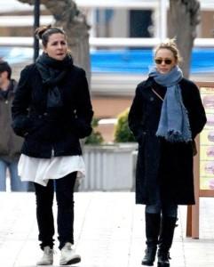 Kylie Minogue spotted running errands in Tossa de Mar on December 28th 2009 2
