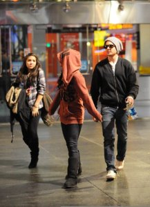 photo of Vanessa Hudgens and Zac Efron as they leave the movies on December 28th 2009 3