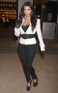 Kim Kardashian arrives at the MTV Studios in New York City on December 9th 2009 2