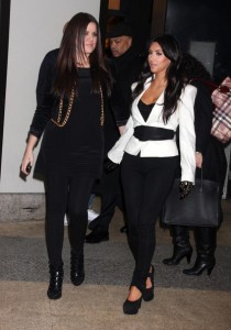 Kim Kardashian and Khloe at the MTV Studios in New York City on December 9th 2009 1