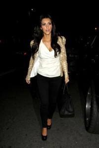Kim Kardashian arrives at Beso restaurant in Hollywood on December 10th 2009 2