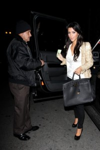 Kim Kardashian arrives at Beso restaurant in Hollywood on December 10th 2009 3
