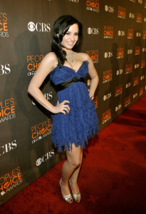 Demi Lovato arrives at the 36th Annual Peoples Choice Awards held at Nokia Theatre on January 6th 2010 in Los Angeles 3