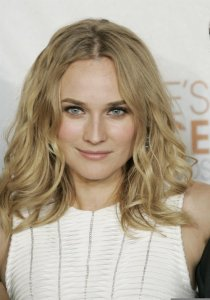Diane Kruger arrives at the 36th Annual Peoples Choice Awards held at Nokia Theatre on January 6th 2010 in Los Angeles 2