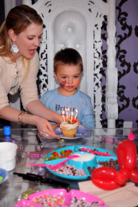 Melissa Joan Hart and her son Mason Wilkerson spotted at his 4th birthday party on January 8th 2010 in Sherman Oaks California 5