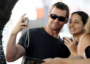 Hugh Jackman spotted with fans as he leaves the Copacabana Palace Hotel on January 13th 2010 1