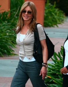 Jennifer Aniston spotted at Disney studios in Los Angeles on January 11th 2010 wearing stylish gray pants 1