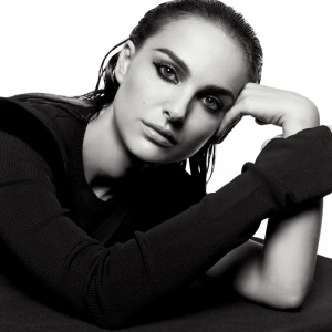 Natalie Portman photo shoot for august 2009 issue of Interview Magazine 1