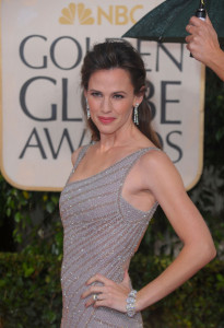 Jennifer Garner arrives at the 67th Annual Golden Globe Awards held at The Beverly Hilton Hotel on January 17th 2010 in California 6