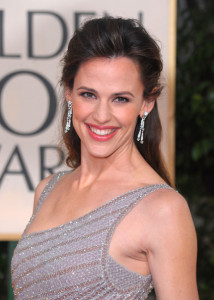 Jennifer Garner arrives at the 67th Annual Golden Globe Awards held at The Beverly Hilton Hotel on January 17th 2010 in California 8