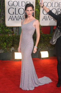 Jennifer Garner arrives at the 67th Annual Golden Globe Awards held at The Beverly Hilton Hotel on January 17th 2010 in California 2