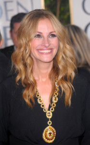 Julia Roberts arrives at the 67th Annual Golden Globe Awards held at The Beverly Hilton Hotel on January 17th 2010 in California 3