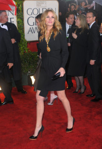 Julia Roberts arrives at the 67th Annual Golden Globe Awards held at The Beverly Hilton Hotel on January 17th 2010 in California 2