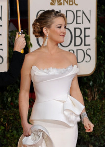 Kate Hudson arrives at the 67th Annual Golden Globe Awards held at The Beverly Hilton Hotel on January 17th 2010 in California 3