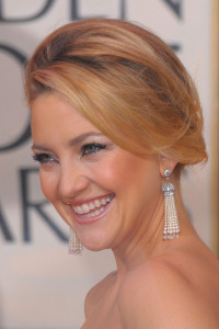 Kate Hudson arrives at the 67th Annual Golden Globe Awards held at The Beverly Hilton Hotel on January 17th 2010 in California 6