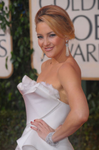 Kate Hudson arrives at the 67th Annual Golden Globe Awards held at The Beverly Hilton Hotel on January 17th 2010 in California 2