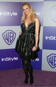 Amy Smart attends the InStyle and Warner Bros 67th Annual Golden Globes post party on January 17th 2010 held at the Oasis Courtyard at the Beverly Hilton Hotel 4