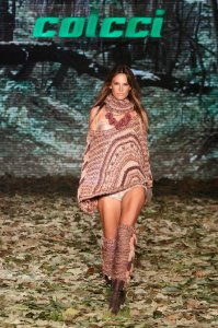 Alessandra Ambrosio on the run way of the Colcci Fall and Winter of January 2010 fashion collection 1