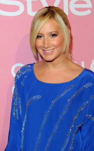 Ashley Tisdale arrives at the InStyles glitzy Golden Globes party on December 8th 2009 in Tinseltown wearing a blue dress 4